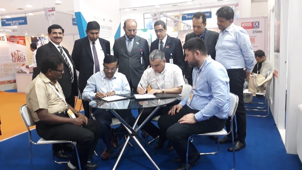 MOUs signed by Uzbekistan and Indian companies based in Coimbatore. Office bearers of EEPC India witnessing the occasion - from left to right: Mr. Nishikant Jumde, Sr. Joint Director, EEPC India, New Delhi; Mr. Suranjan Gupta, Executive Director, EEPC India; Mr. Ravi Sehgal, Chairman, EEPC India; Mr. Arun Kumar Garodia, Vice Chairman, EEPC India; Mr. Anoop Marwaha, Deputy Regional Chairman (W.R.), EEPC India and Mr. Pankaj Chadha, Working Committee Member, EEPC India